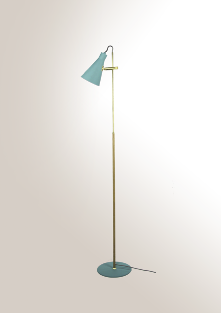 lámpara de pie turquesa Arne8