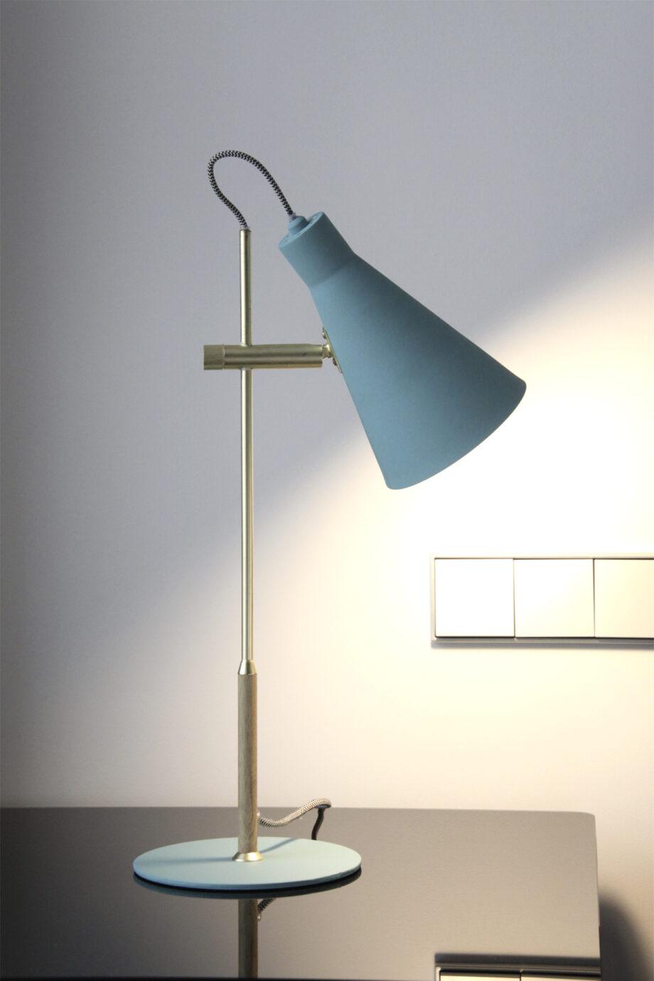 lampara sobremesa Arne
