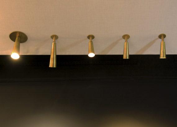 foco de-empotrar con rótula CONO medidas en techo
