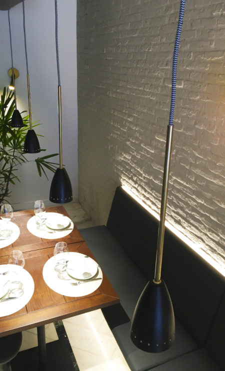 lámpara colgante Madrid tija sobremesa
