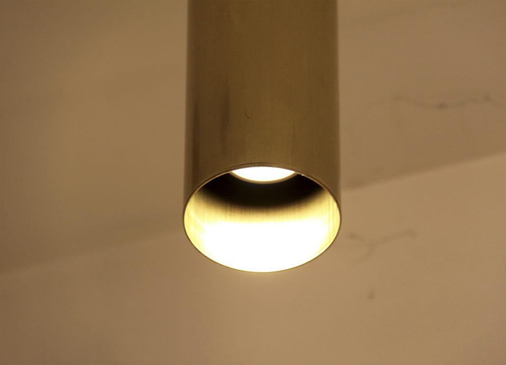 foco tube detalle luz cálida