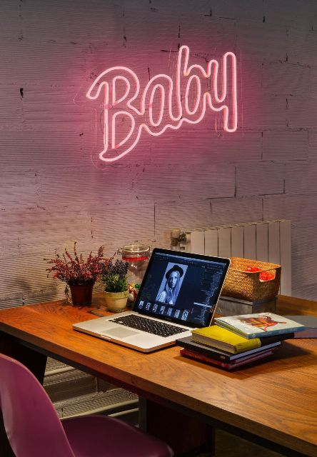 neon baby ambiente